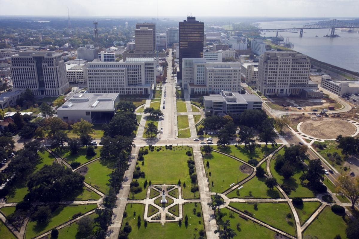 Optimized-Baton_Rouge_skyline_iStock_000015344865Medium